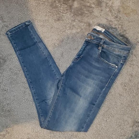 Zara Trafulac V. Stretchy Mid-Rise Skinny Jeans